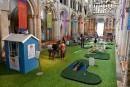 Un mini-golf pour attirer les fidèles à la cathédrale
