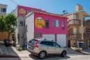 Maison rose bonbon et émoticônes attisent une querelle de voisinage