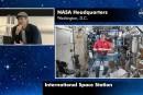 Brad Pitt parle apesanteur avec un astronaute
