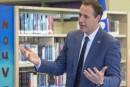 Le ministre Roberge refuse un moratoire sur les sports électroniques dans les écoles