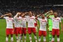 Les joueurs turcs ont refait le salut militaire après un but