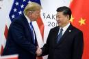 Trump promet une nouvelle hausse des tarifs douaniers si les discussions avec Pékin échouent