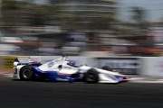 Castroneves établit un record en qualifications à Long Beach