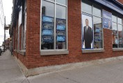 Vandalisme au local de campagne de Dominic Therrien
