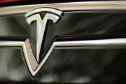Tesla: l'enquête sur le système de pilotage automatique classée sans suite