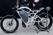 Airbus présente une moto en alu à 73600 $ faite en impression 3D