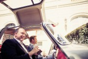 Moment Paris-Match pour le blond Nico : un tour d'auto avec le prince Albert !