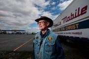 Vie de routiers: l'aumônier de la 20 à l'écoute des camionneurs
