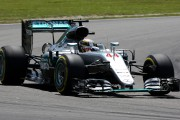 Grand Prix de Malaisie: match nul entre Hamilton et Rosberg