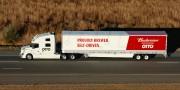 2000 caisses de Budweiser livrées par un camion sans chauffeur