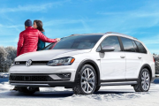 Première neige : Volkswagen Alltrack, une Volks sur échasses