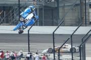 Spectaculaire accident aux 500miles d'Indianapolis