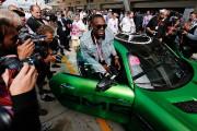 Lewis Hamilton donne la frousse à Usain Bolt