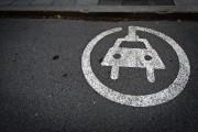 Véhicules électriques : il est encore temps de revoir la loi zéro-émission, dit l'industrie