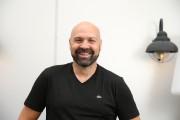 Auto-vedettes - Ricardo Trogi : grand amateur debagnoles