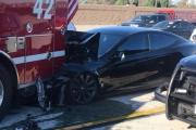 Une Tesla s'encastre dans un camion de pompiers : Autopilot sous enquête