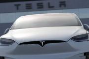 Perte record, mais livraisons record pour Tesla au premier trimestre
