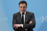 Tesla, assuré de conserver son patron, s'envole à Wall Street