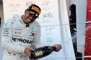Lewis Hamilton s'impose au Japon