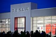 Tesla fait de l'argent pour la première fois en deux ans