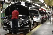 Tesla «intéressé» à reprendre au moins une des usines que GM veut fermer