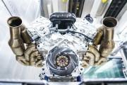 Aston Martin montre le V12 de 1000 chevaux de la Valkyrie