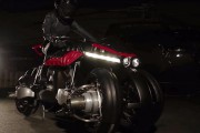 La <em>Moto volante</em> Lazareth a quatre réacteurs