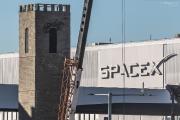 Musk érige un donjon médiéval et recrute un personnage des Monty Python pour son tunnel