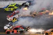 Spectaculaires collisions lors du Daytona 500