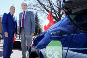 Véhicules électriques: la subvention d'Ottawa disponible en mai
