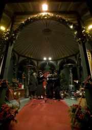 Le quatuor Quatrissimo divertit les visiteurs avec des... (Photo: David Boily, La Presse) - image 3.0