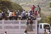 Véhicule public au Kenya.... (Photo: Bruno Blanchet) - image 2.0
