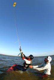Surf-cerf-volant aux îles-de-la-madeleine... (Photo: fournie par www.aerosport.ca) - image 2.0