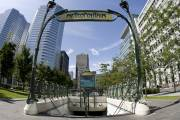 Le square Victoria et l'entrée du métro.... (Photo: David Boily, La Presse) - image 1.0