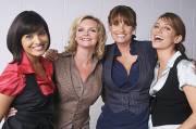 Les quatre amies de la série britannique Maîtresses,... - image 1.0