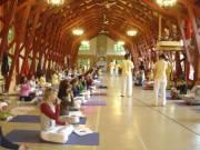 Des élèves de la formation de professeurs, de... (Photo: fournie par Yoga Sivananda) - image 1.0