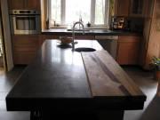 Un comptoir de cuisine en béton gris conventionnel... (Photo: fournie par Atelier B) - image 3.0