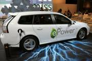 Une nouveauté signée Saab: la 9-3 ePower tout... (Photo: AFP) - image 2.0