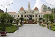 L'hôtel de ville de Saigon.... (Photo: AP) - image 4.0