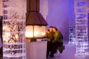 Un couple se réchauffe à l'hôtel de glace... (Photo: xdachez.com) - image 3.0