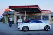La Beetle 2012 s'inspire de la voiture-concept Beetle Ragster montrée en 2005 au Salon de l'auto de Detroit.
