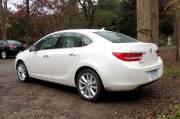 La compacte de luxe Buick Verano reprend les grandes   lignes du design de sa grande soeur, la Regal.