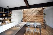 Dans ce duplex transformé en maison à étage... (Photo: Marco Campanozzi, La Presse) - image 2.0