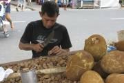 À Belem, les noix de Brésil sont ouvertes... (Photo Andrée Lebel, La Presse) - image 4.0