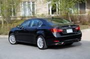 Que ce soit à l'avant ou à l'arrière, la   récente Lexus GS 350 ne fait pas avancer le style automobile.