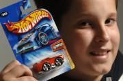 Même si de plus en plus de parents offrent des jouets diversifiés à leurs enfants, rien ne semble battre la passion des petits garçons pour les voitures.
