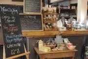 Le café-épicerie Les Trois Becs... (Photo Steve Deschênes, le Soleil) - image 3.0