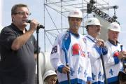 Régis Labeaume, était entouré des anciens joueurs des... (Photo: PC) - image 2.0