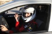 Mona ??Ennab, 26 ans, a commencé à  conduire sans l'autorisation de ses parents, avant même d'avoir l'âge de  prendre des leçons.