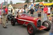 Les amateurs de voitures anciennes ont pu admirer de près les autos avant le départ de la course.